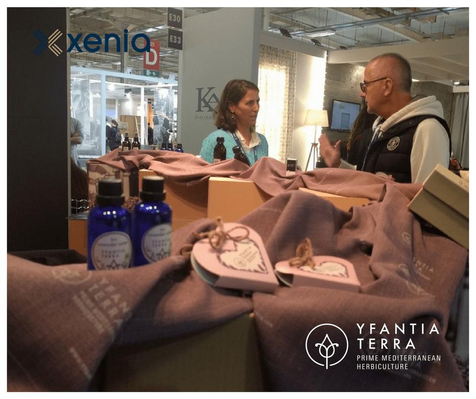 Η Κατερίνα Υφαντίδου στο περίπτερο της Yfantia Terra στην Xenia 2017