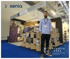Ο Γιώργος Υφαντίδης στο περίπτερο της Yfantia Terra στην Xenia 2017