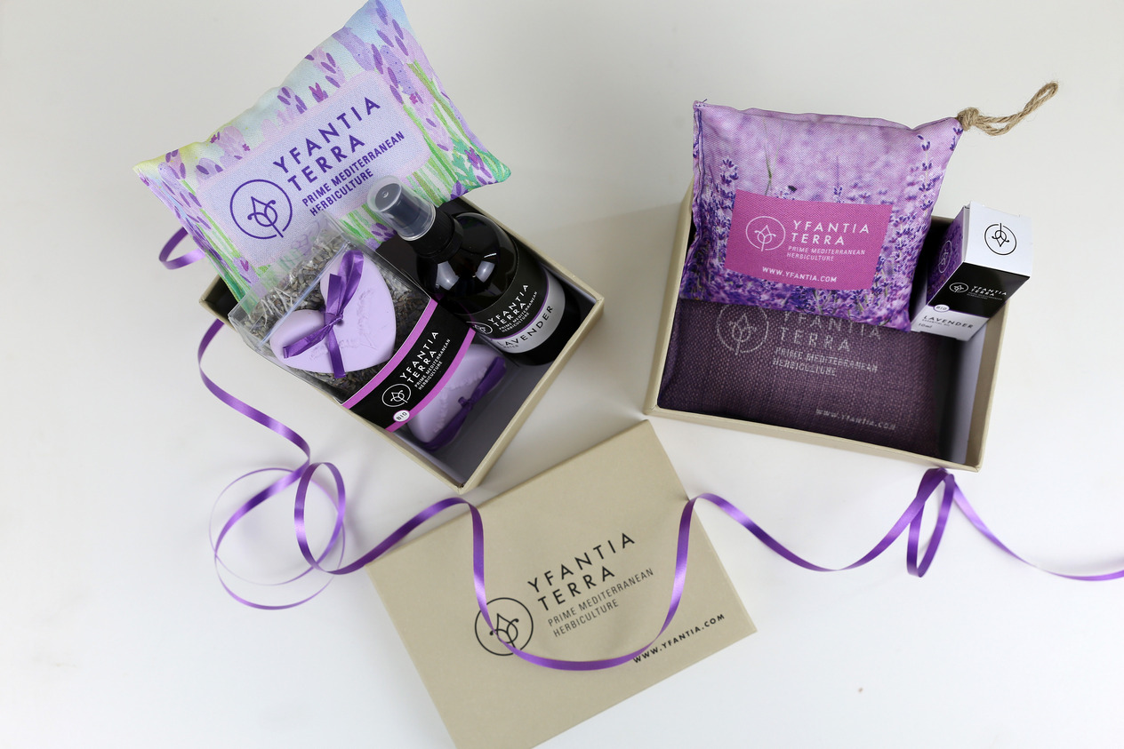 Yfantia Terra | Gift pack with printed logo
