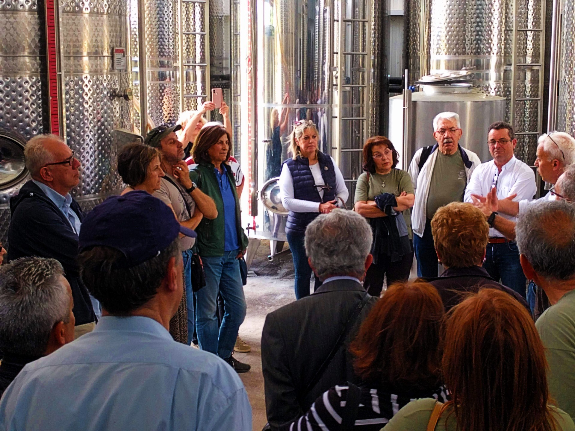 Τα μέλη του Περιβαλλοντικού & Πολιτιστικού Συλλόγου Ωραιοκάστρου στο Κτήμα Αρβανιτίδη